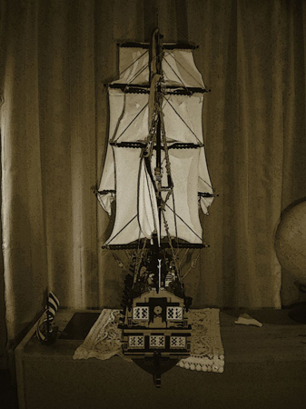 Discuss MOC : The Story of L'Archiveur a 40 canon ship by Ingmar in the Classic-Pirates.com forums