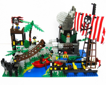 6281 Pirates Perilous Pitfall, a LEGO set review by Inconspicuous