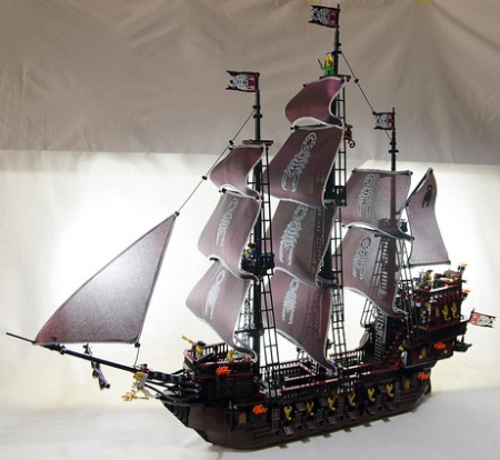 Scorpion's Soul Pirate Ship - a Pirate LEGO MOC by Hass Kabal