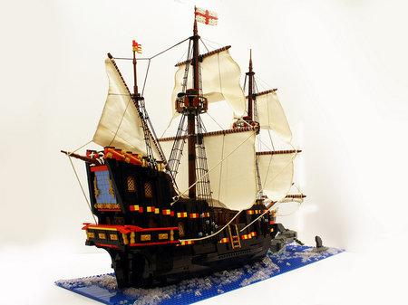 LEGO Pirate Golden Hinde MOC Rufus and Pandora
