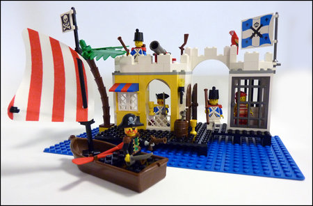 LEGO Pirate Lagoon Lock-Up Review Boomchil