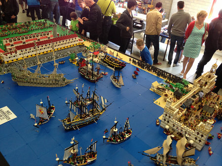 Discuss the Giant Pirate Diorama in the forum!